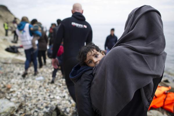 149_nina-siria-brazos-madre-rescatadas_1050